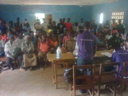 SLLG-Ebola-meeting-in-village